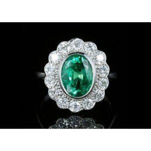 3.75 Ct Oval Shape Green Emerald With Diamond Wedd